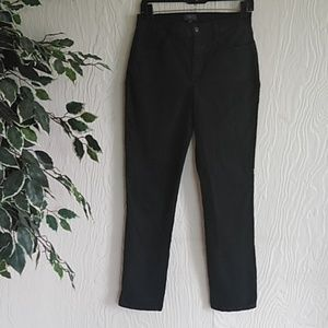 NYDJ black stretchy jean slim pants size 6